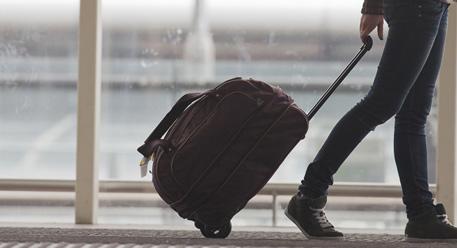 التنقل في المدينة أو إلى المطار