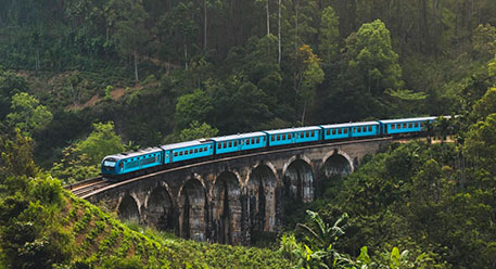 السفر بالحافلة والقطار في سريلانكا