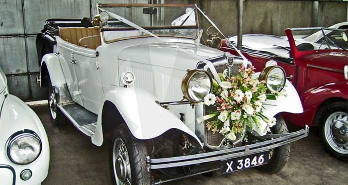 Morris 10 (1934) Open Top Tourer (White)