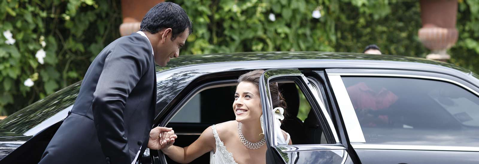 Wedding car rental services in Sri Lanka
