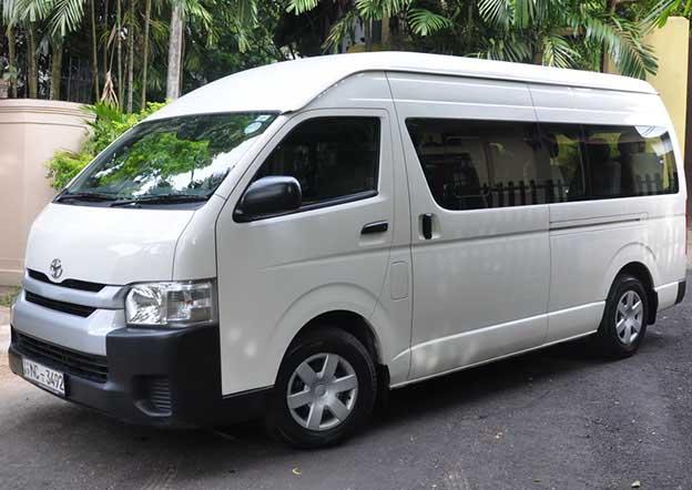 Toyota Hiace Commuter 15 Passenger. Multi A/C