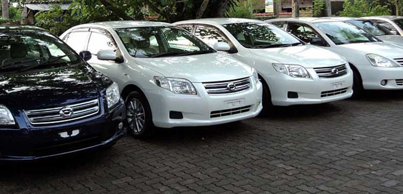 Toyota premium cars for hire in Colombo