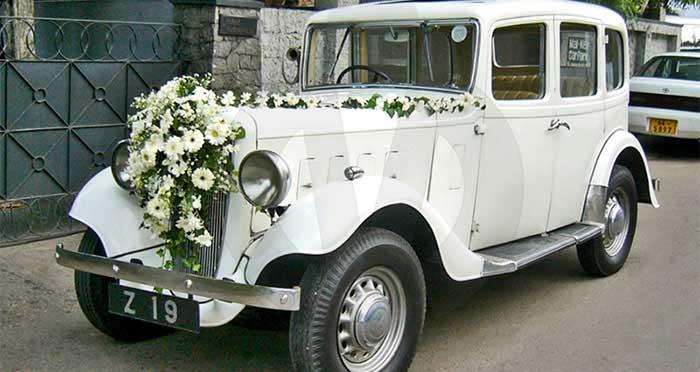 Austin Ascot Saloon 12/4 (1936) (White)