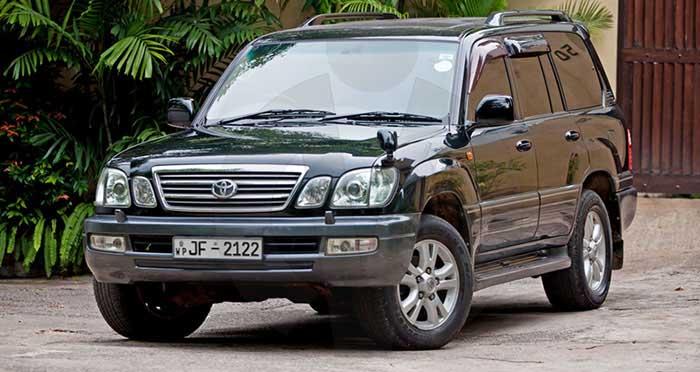Toyota Land Cruiser Cygnus V8