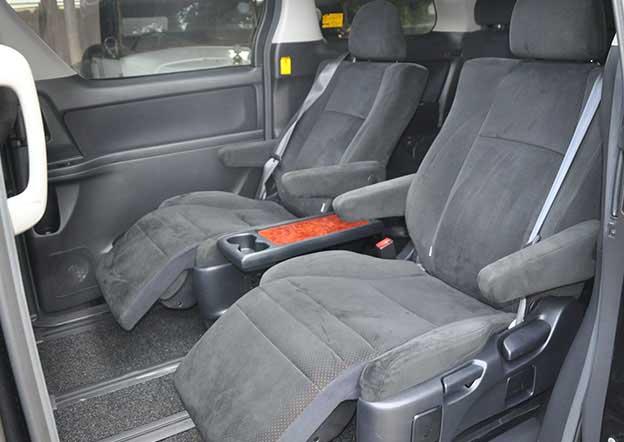 inside-Toyota Alphard 6 Passenger